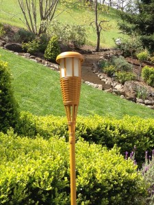 solar-powered-tiki-lamp