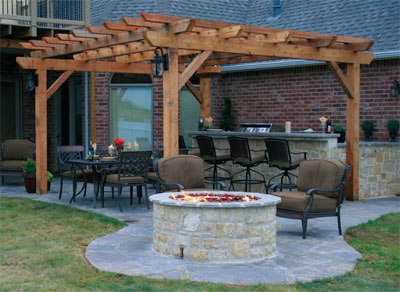 Stone Outdoor Bar/Fire Pit