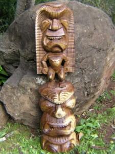 acacia-tiki-totem-2-heads