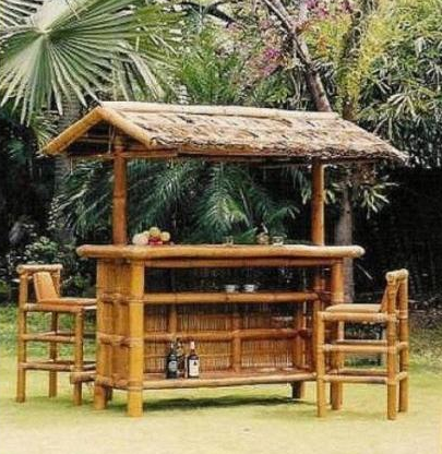 Merveilleux Bamboo Tiki Bar Backyard